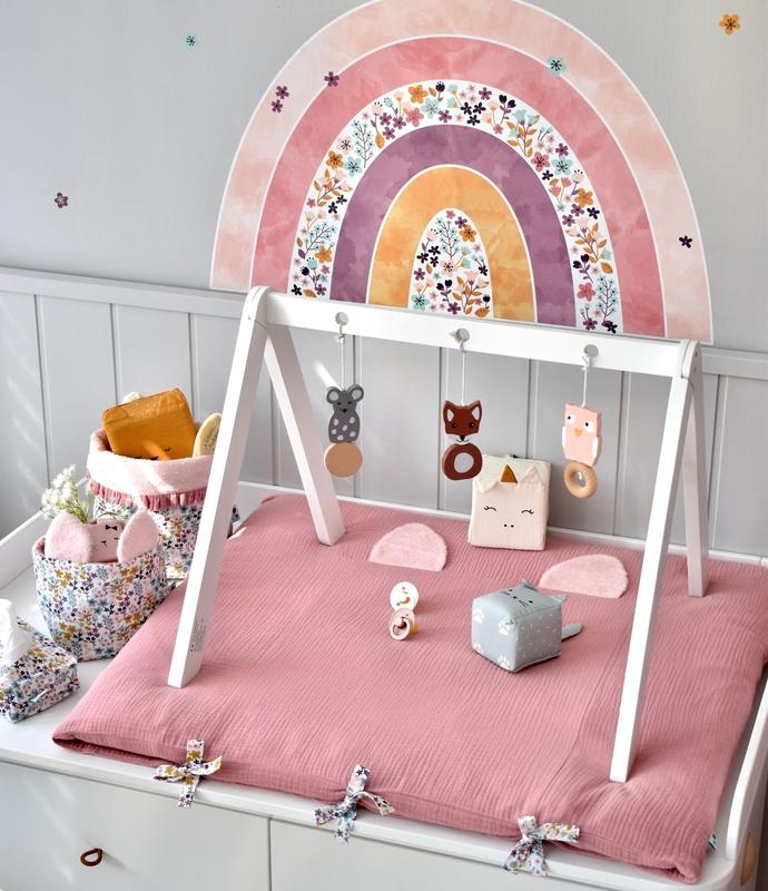 Babyroom 'flowers & rainbows' in dusty rose