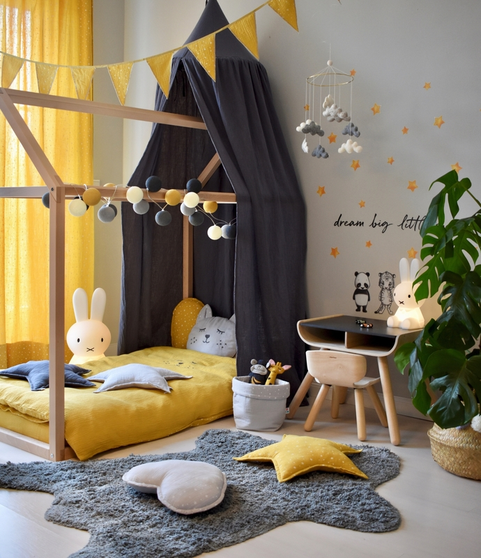 Kidsroom with house bed in mustard & grey