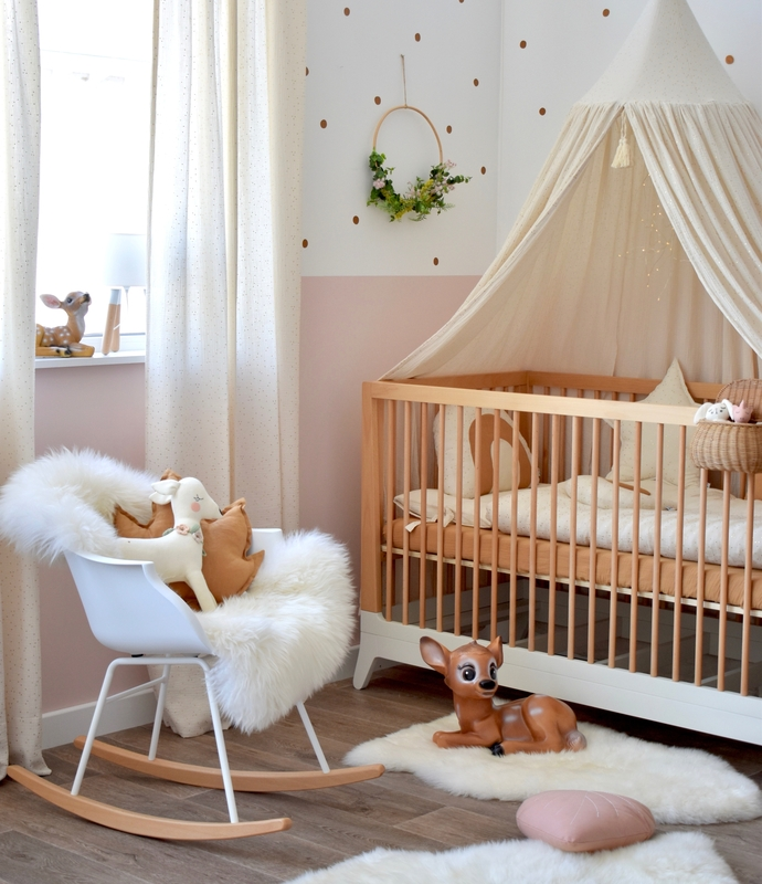 Babyroom with textiles in cream & gold